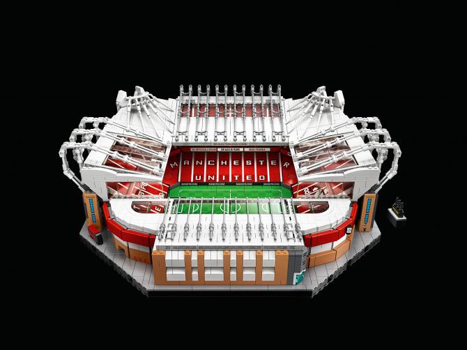 Размеры футбольного стадиона манчестер юнайтед